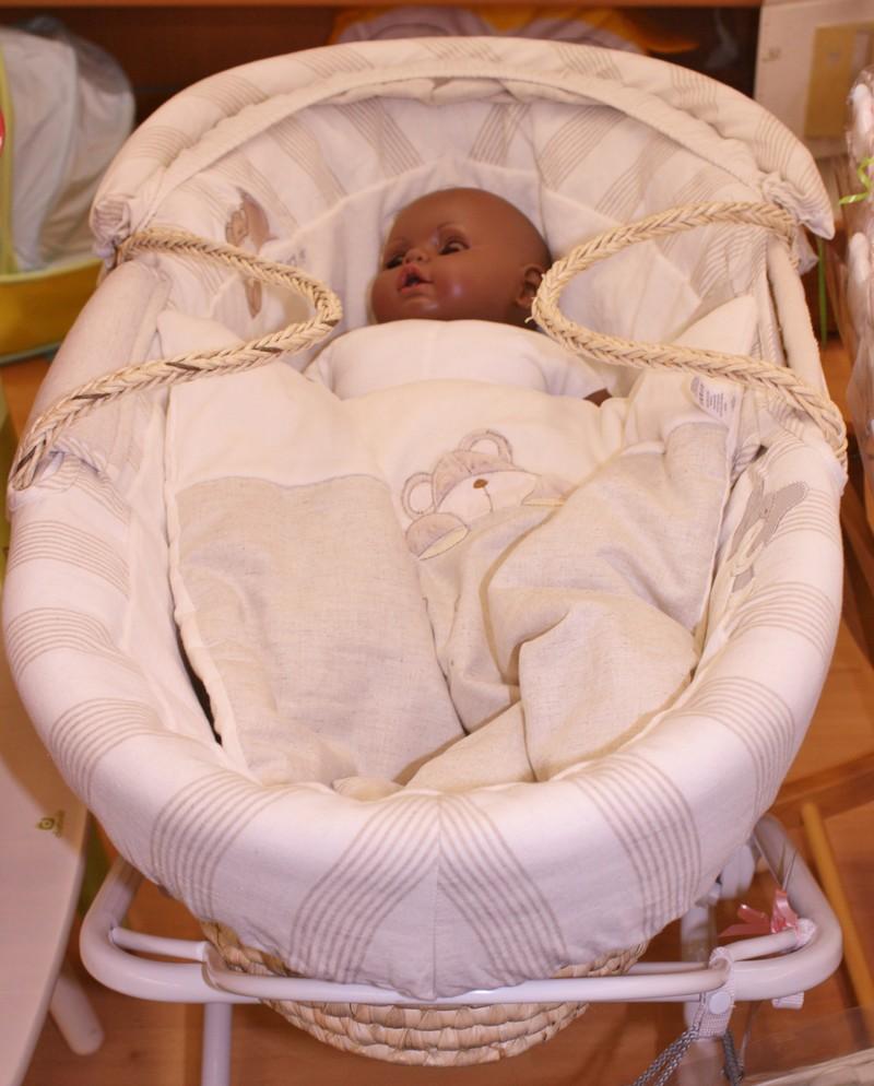 Couffins et berceaux autour de bebe starjouet for Autour de bebe portet