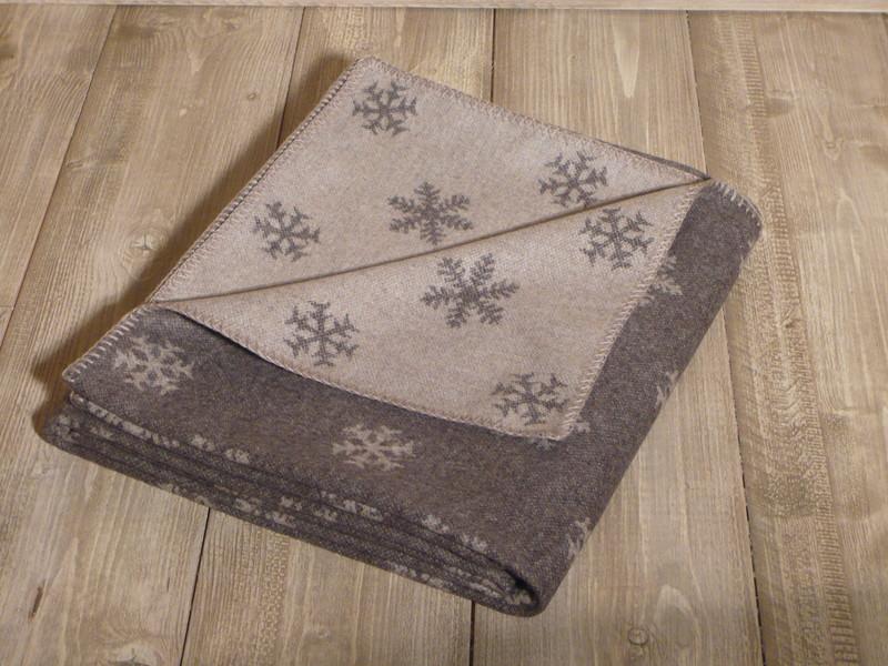 plaid en laine reversible motifs flocons de jadis a demain. Black Bedroom Furniture Sets. Home Design Ideas