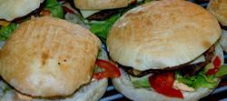 Hamburgers Maison - LES HAMBURGERS - L'INCONTOURNABLE - Voir en grand
