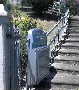 plateforme pour escalier tournant c vennes am nagements. Black Bedroom Furniture Sets. Home Design Ideas