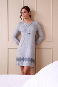 pyjamas chemises de nuit et robes de chambre vetements de travail benoit abbaye. Black Bedroom Furniture Sets. Home Design Ideas