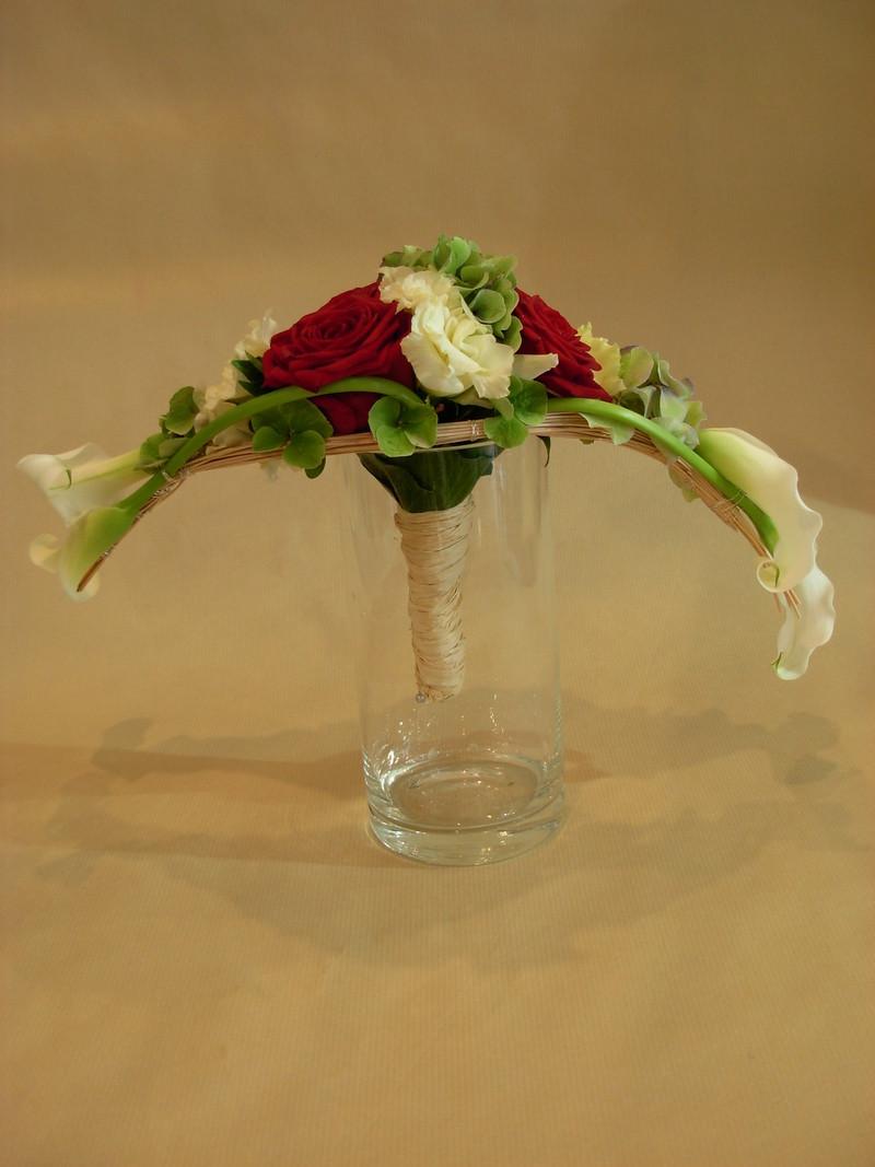 bouquet de mari e rouge blanc vert flora valentin. Black Bedroom Furniture Sets. Home Design Ideas