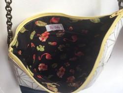Pochette tissu bandoulière intérieur - Voir en grand