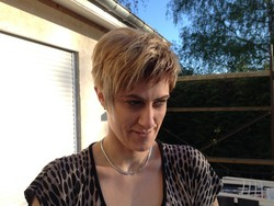 Shampooing + Méches +Couleur + Brushing cheveux court - Prestation de coiffure pour les femmes - L'OXY COUP' - Voir en grand