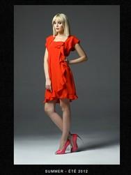 Rodicka Zanian Robe rouge.jpg - Voir en grand
