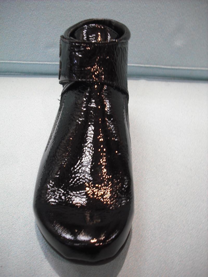 bottines hirica rubis vernis noir chaussures pacaut. Black Bedroom Furniture Sets. Home Design Ideas