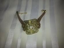 Bracelet Grec fantaisie avec motif Grec doré et cordon marron1.jpg - Voir en grand