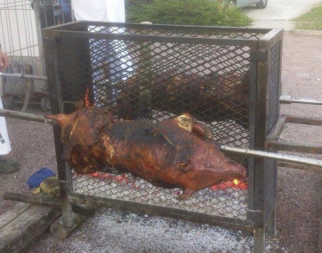 cochon a la broche 2jpg - Cochon La Broche Mariage