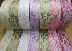 Rubans Satin et dentelle différents couleurs pour Bonbonnière-Couronne avec dragées pour mariage - Voir en grand