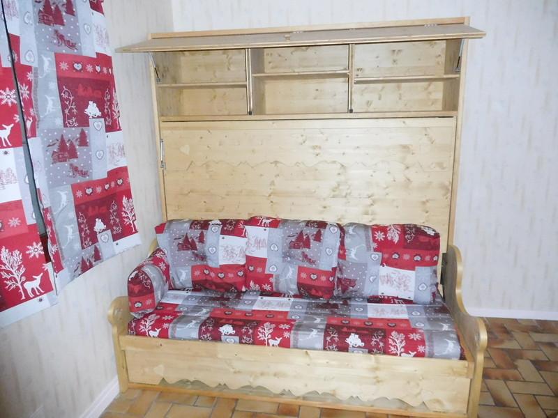 lit relevable ou lit armoire avec banquette rangement 21 vercors literie. Black Bedroom Furniture Sets. Home Design Ideas