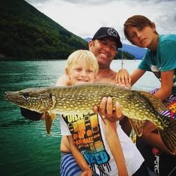 La pêche en famille - Voir en grand