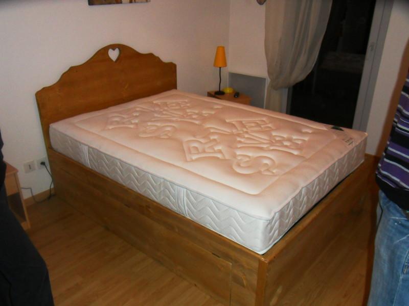 lit avec trappe rangement dessous vercors literie. Black Bedroom Furniture Sets. Home Design Ideas