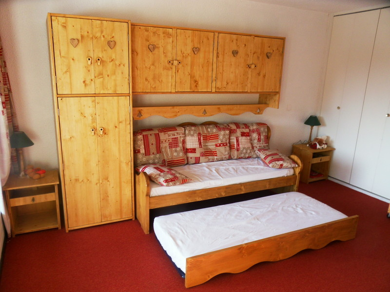 simple pont de lit meunier jpg with pont de lit 140. Black Bedroom Furniture Sets. Home Design Ideas