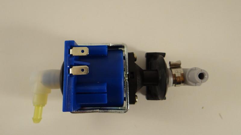 Pompe pour centrale vapeur gc7630 philips mena isere for Nettoyer la semelle d une centrale vapeur