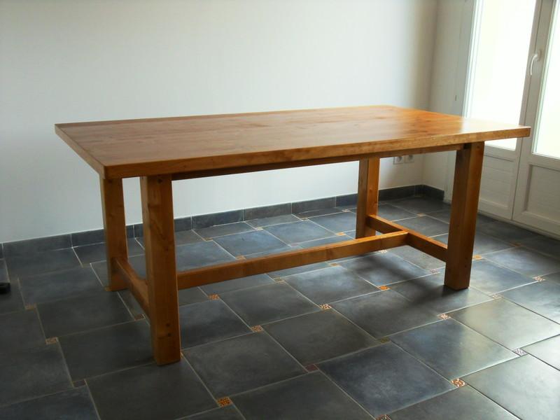 table de ferme vercors literie. Black Bedroom Furniture Sets. Home Design Ideas
