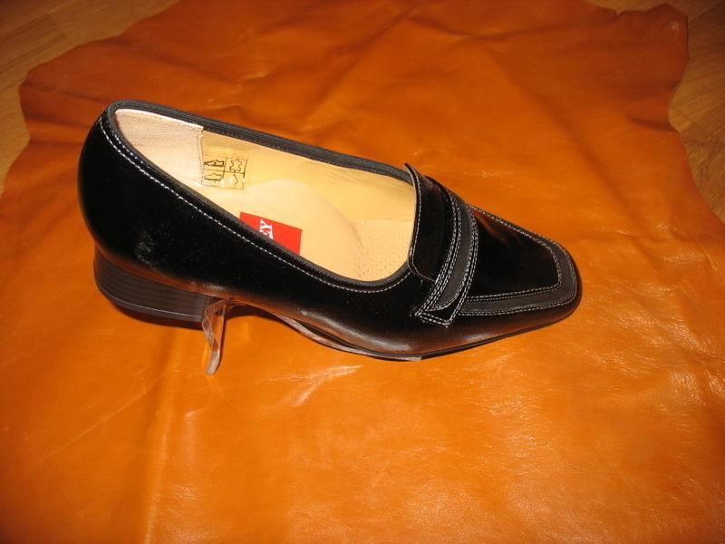 Photos de chaussures le trotteur lisieux 14100 for Piscine lisieux horaires