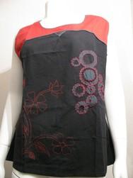 tee shirt ethnique rond noir et rouge couleur du monde - Voir en grand