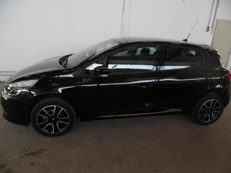 Renault clio iv 1 5 dci 90eco2 dynamique noir gps 45533 for Garage clio 4