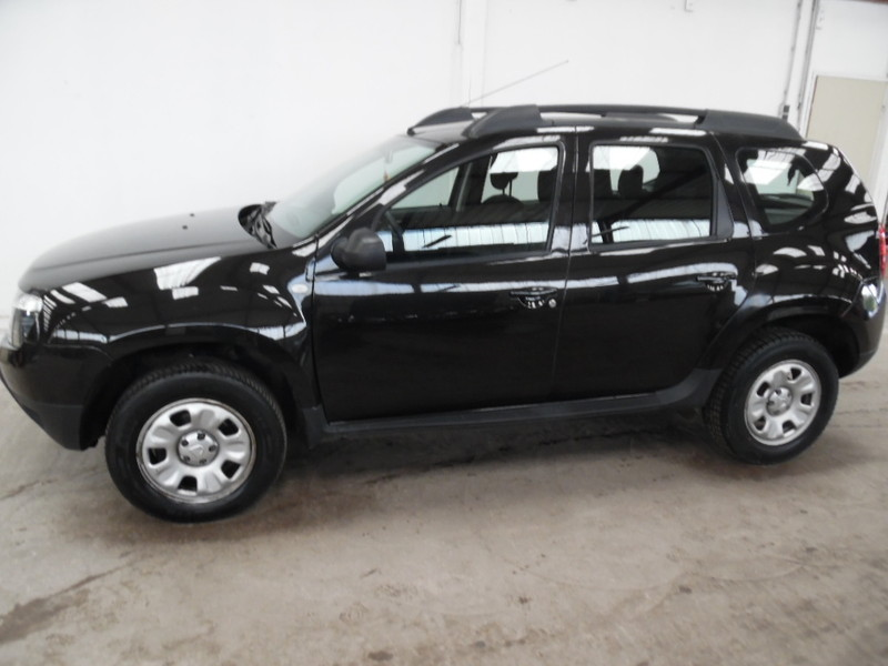 dacia duster 4x4 1 5 dci 110 laureate noir 65223 kms garage gester vente de voitures d 39 occasions. Black Bedroom Furniture Sets. Home Design Ideas