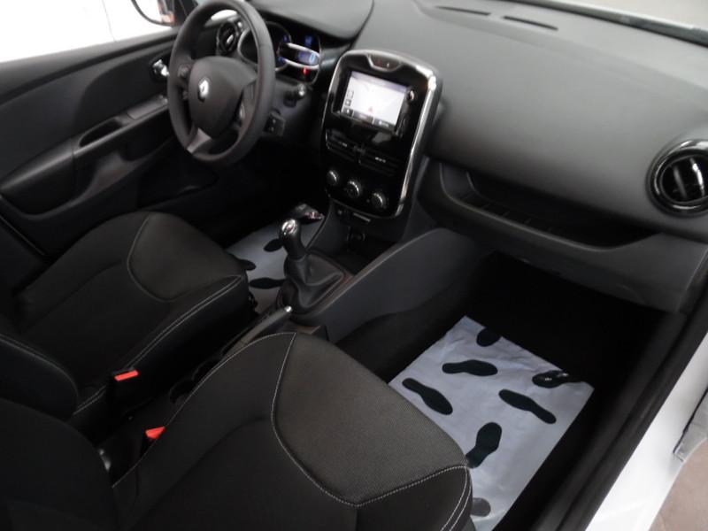 renault clio iv 1 5 dci 90 energy eco2 expression gps 52180 garage gester vente de voitures d. Black Bedroom Furniture Sets. Home Design Ideas
