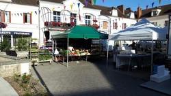 Sur le marché de Neuvy sur Loire
