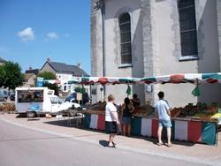 Marché d'Ouroux en Morvan 1