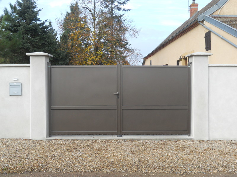 portail battant aluminium cottage sweet home charollais brionnais serru. Black Bedroom Furniture Sets. Home Design Ideas