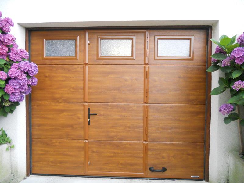 porte garage sectionnelle isol e charollais brionnais. Black Bedroom Furniture Sets. Home Design Ideas