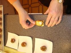 les marrons glaçés sont emballés par nos soins - Voir en grand