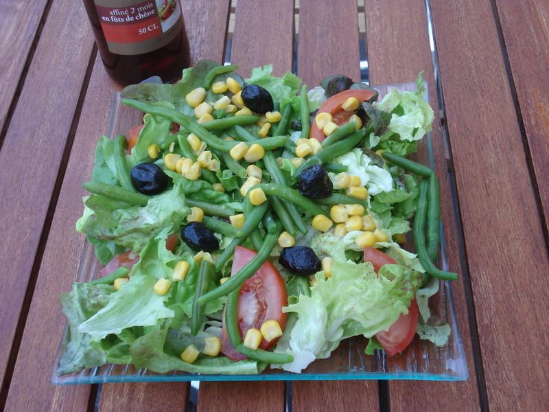 Salades composées - SALADES - L'INCONTOURNABLE - Voir en grand