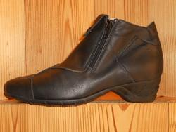 Bottines ARCUS en cuir noir ou marron - Voir en grand