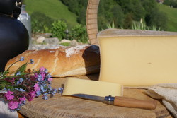 Beaufort fabriqué en Chalet d'Alpage - Voir en grand