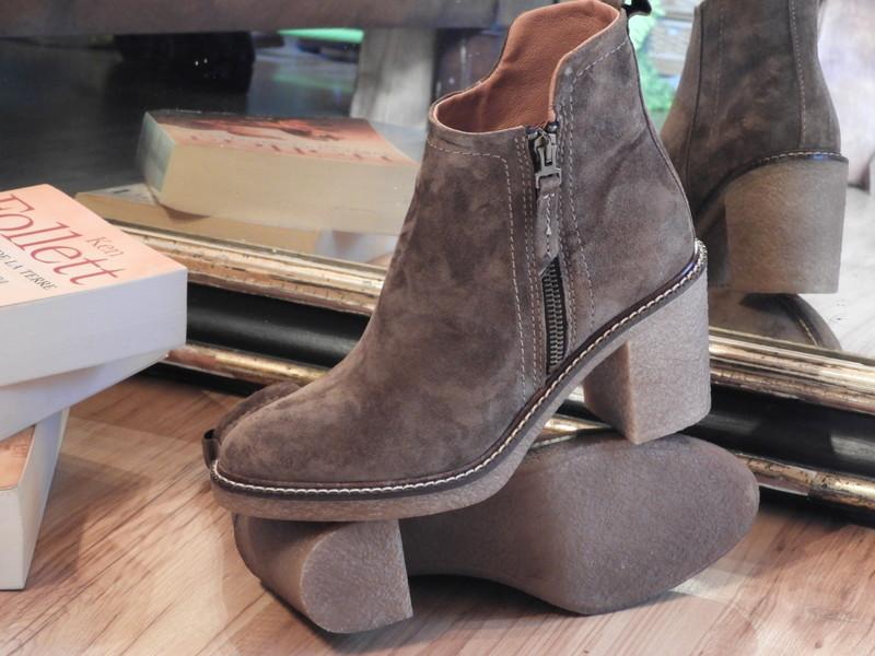 Chaussures ALPE - Voir en grand