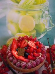 Tarte aux fruits rouge, créme à la Vanille de Madagascar... - Voir en grand