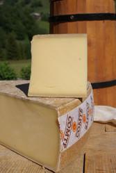Fromage d\'ailleurs Comté 8mois © Fromagerie Duc Goninaz (5).JPG - Voir en grand