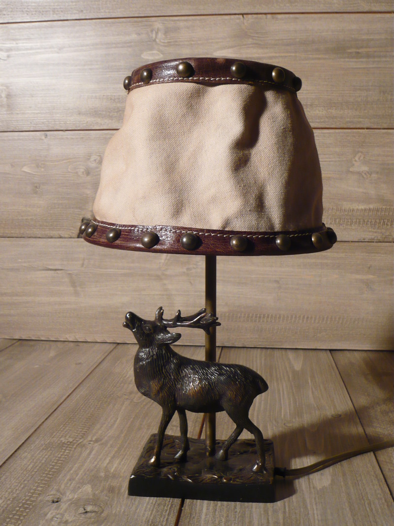 pied de lampe cerf montagne de jadis a demain. Black Bedroom Furniture Sets. Home Design Ideas