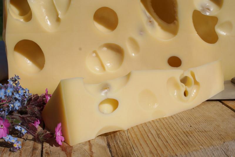 Fromage de Savoie Emmental - Voir en grand