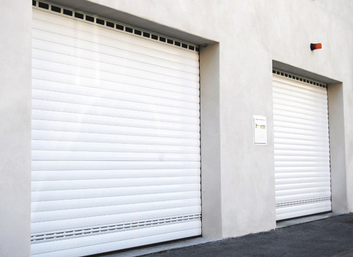 Porte de garage enroulable b1chezsoi - Rideau de garage enroulable ...