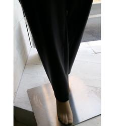 IDOLE jambe - Voir en grand