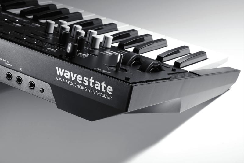 Synthétiseur Korg WAVESTATE-9 - Voir en grand
