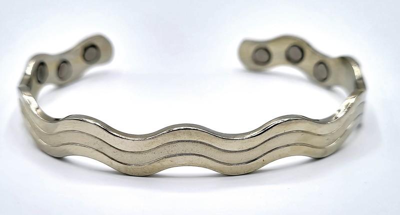 bracelet magnétique MJ 1009 VAGUE COULEUR ARGENT  - BRACELETS MAGNETIQUES THERAPIE MAGNETIQUE - ALPHA BIEN ETRE - Voir en grand