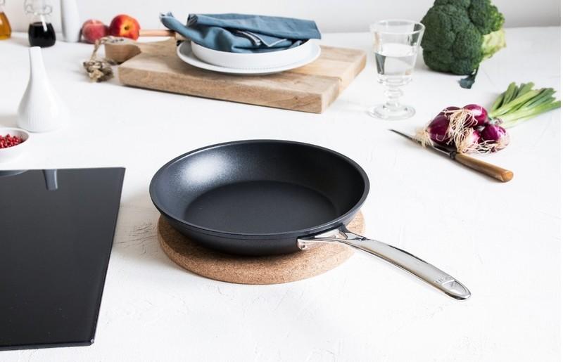 POELE CASTEL PRO ULTRALU - CRISTEL - POELES - GALLAZZINI - Arts de la table et de la Cuisine - Voir en grand