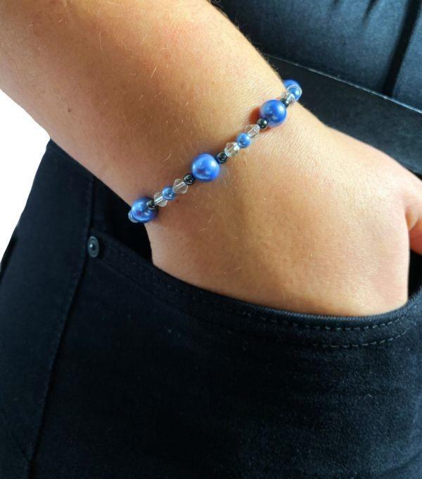 Alphapole bracelet-magnetique-hematite-bicolore-profil-scaled-600x680.jpg - Voir en grand