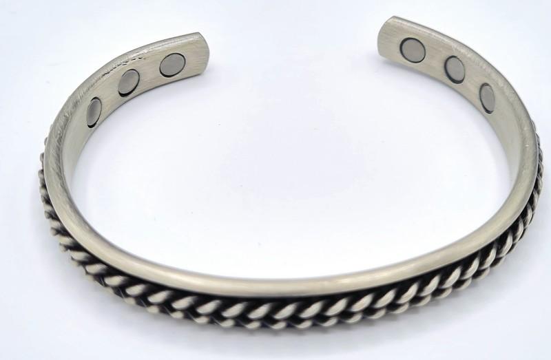 bracelet magnétique MJ 1069 RELIEF COLORIS IONIC PLATED - BRACELETS MAGNETIQUES THERAPIE MAGNETIQUE - ALPHA BIEN ETRE - Voir en grand