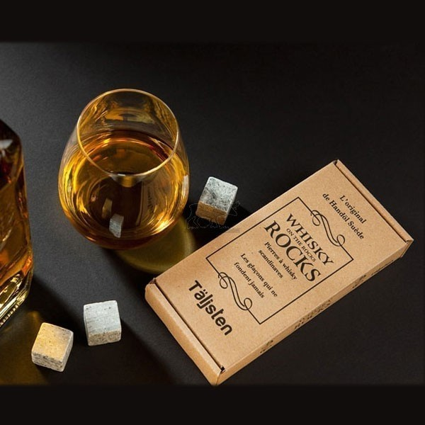 coffret-de-8-pierres-a-whisky-taljsten-pierre-ollaire-suedoise-8-whisky-rocks.jpg - Voir en grand