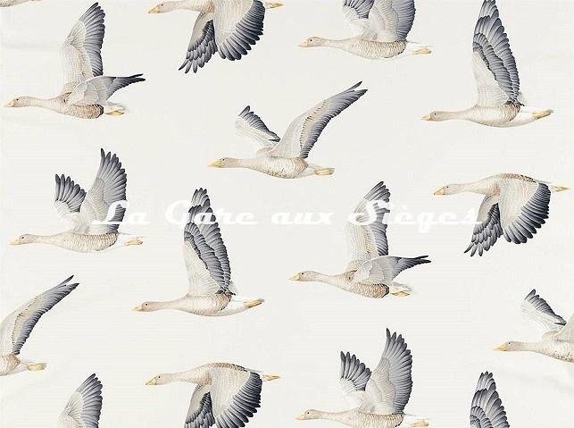 Tissu Sanderson - Elysian Geese - réf: 226520 Argent/Craie - Voir en grand