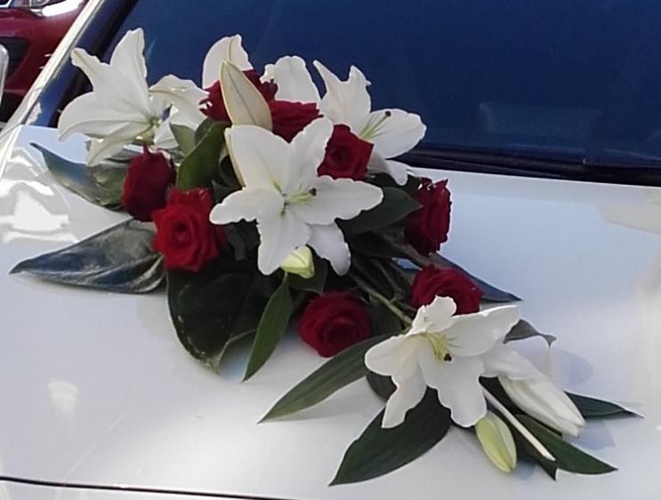 Dessus d cor de voiture mariage art floral chaumont - Ventouse pour decoration voiture mariage ...
