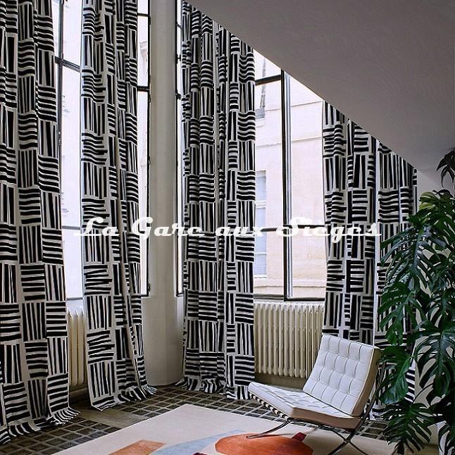 Tissu Pierre Frey - Liz ( Noir & Blanc ) - Voir en grand