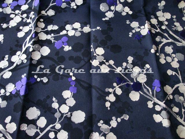 Tissu Bélinac - Nara - réf: 1355 - Coloris: 7 Violet fond noir - Voir en grand