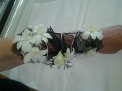 bracelet témoin femme blanc et noir orchidée  - Voir en grand